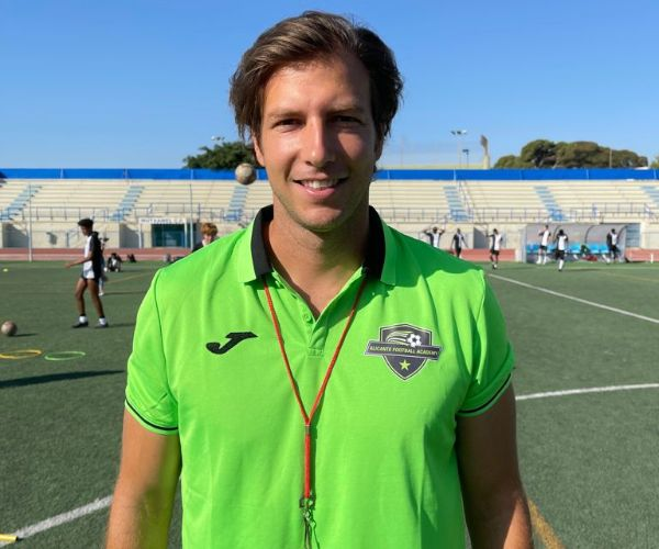 technical coach in spanish academy in the field